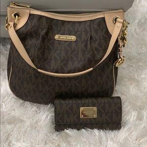 Bundle deal Michael Kors Jet set bag with wallet